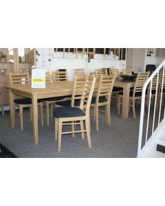 Spisebord + 6 stole i massiv eg sæbe